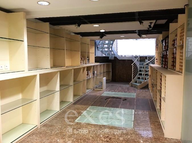 1ª línia comercial de compra a Andorra la Vella