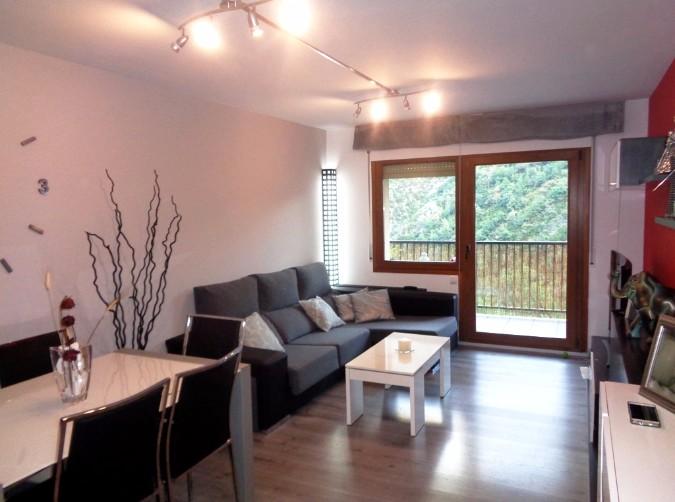 Compra Pis Santa Coloma: 85 m² - 190000