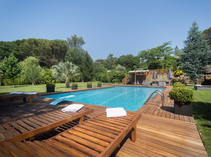 Buy Country house Girona: 20000 m² - 2600000