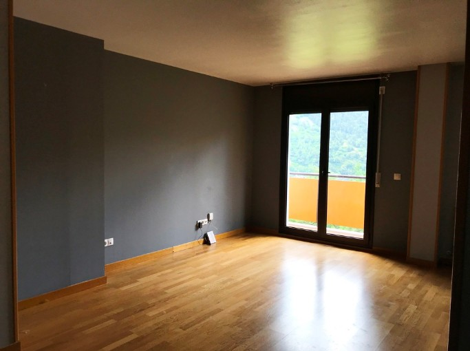 Compra Pis Encamp: 83 m² - 232.000 €