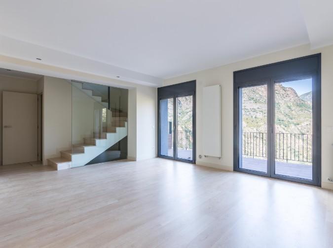 Compra Adosada Aixirivall: 240 m² - 580000