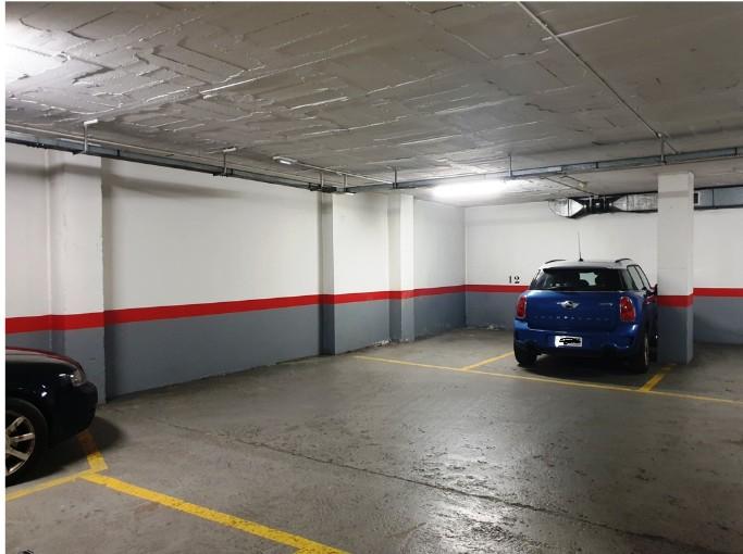 Buy Individual Parking Andorra la Vella: 13 m² - 85 €