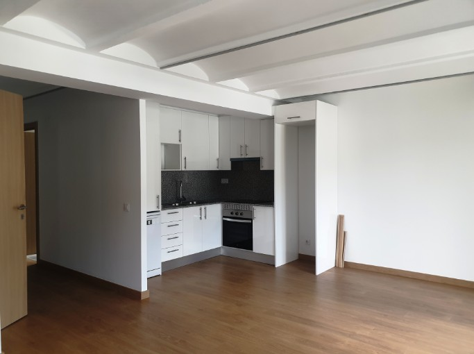 Buy Flat Escaldes-Engordany: 62 m² - 900 €