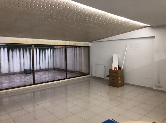 Buy In commercial spaces Andorra la Vella: 90 m² - 750 €