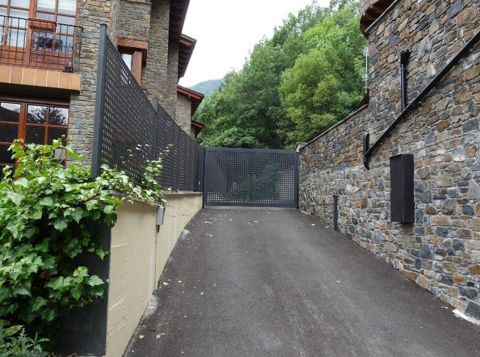Buy Ground floor Sispony: 187 m² - 490000€