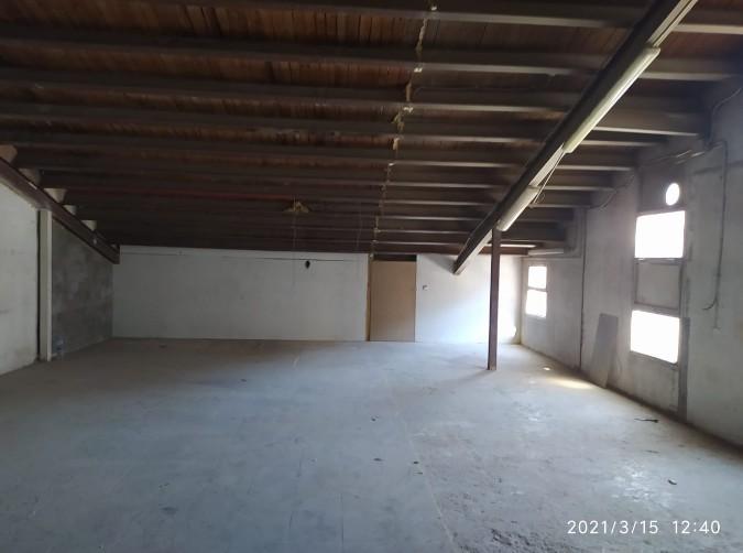 Buy Commercial warehouse Andorra la Vella: 322 m² - 1.900 €
