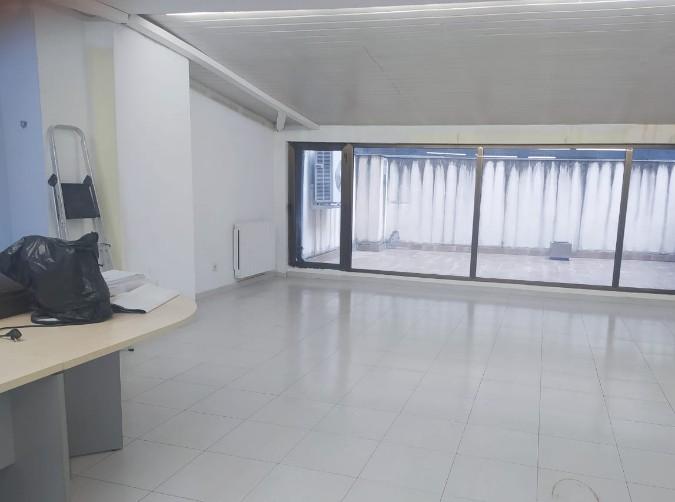 Buy In commercial spaces Andorra la Vella: 90 m² - 750 €