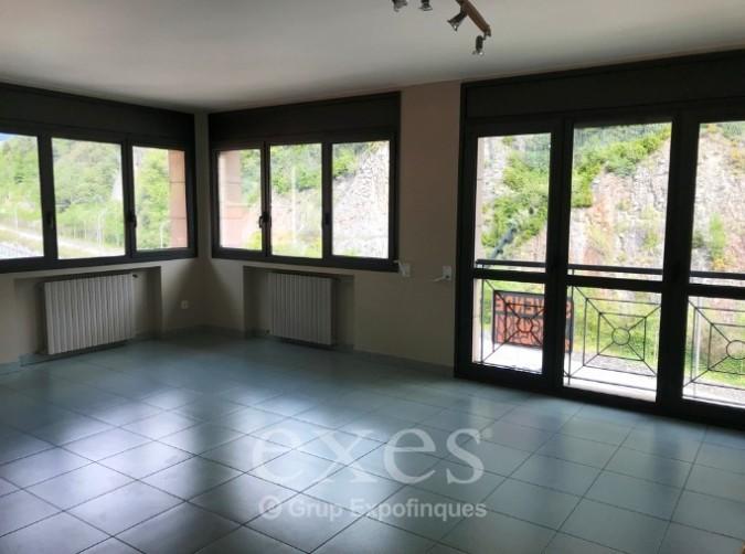 Compra Pis Santa Coloma: 88 m² - 800 €