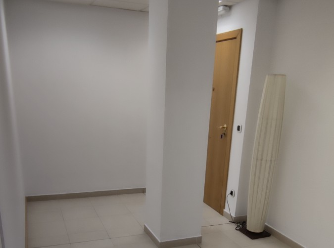 Compra En espacios comerciales Andorra la Vella: 200 m² - 2.500 €
